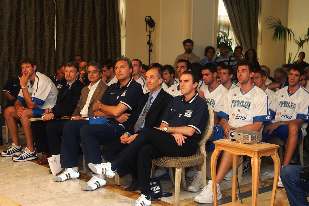 Prersentazione sponsor ENEL a Milano<br /> team italia