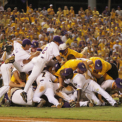 NCAA BATON ROUGE SUPER REGIONAL GM3