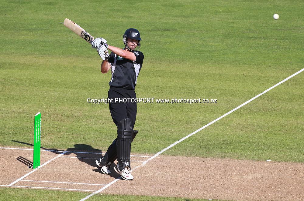 James Franklin batting during the 4th ODI, Black Caps v Pakistan, One Day International Cricket. McLean Park, Napier, New Zealand. Tuesday 1 February 2011. Photo: Andrew Cornaga/photosport.co.nz