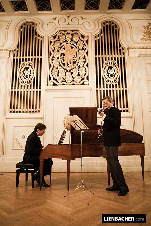 Salzburg, Mozartwoche 2009: Gesprächskonzert mit Robert Levin and Giuliano Carmignola im Wiener Saal des Mozarteums. Foto: Wolfgang Lienbacher