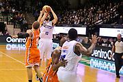 DESCRIZIONE : Treviso Lega due 2015-16  Universo Treviso De Longhi - Aurora Basket Jesi<br /> GIOCATORE : matteo fantinelli<br /> CATEGORIA : Tiro Tre Punti<br /> SQUADRA : Universo Treviso De Longhi - Aurora Basket Jesi<br /> EVENTO : Campionato Lega A 2015-2016 <br /> GARA : Universo Treviso De Longhi - Aurora Basket Jesi<br /> DATA : 31/10/2015<br /> SPORT : Pallacanestro <br /> AUTORE : Agenzia Ciamillo-Castoria/M.Gregolin<br /> Galleria : Lega Basket A 2015-2016  <br /> Fotonotizia :  Treviso Lega due 2015-16  Universo Treviso De Longhi - Aurora Basket Jesi