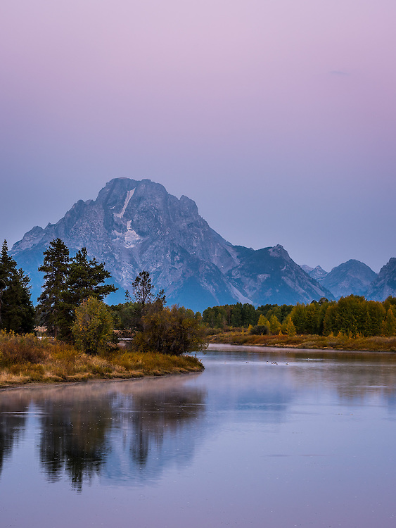Alpen glow at the Oxbow Bend and Mount Moran.