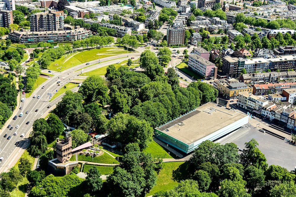 Nederland, Gelderland, Nijmegen, 09-06-2016; binnenstad Nijmegen met Museum Het Vlakhof en Valkhofpark en Hunnerpark.<br /> <br /> Town of Nijmegen, inner city.<br /> luchtfoto (toeslag op standard tarieven);<br /> aerial photo (additional fee required);<br /> copyright foto/photo Siebe Swart