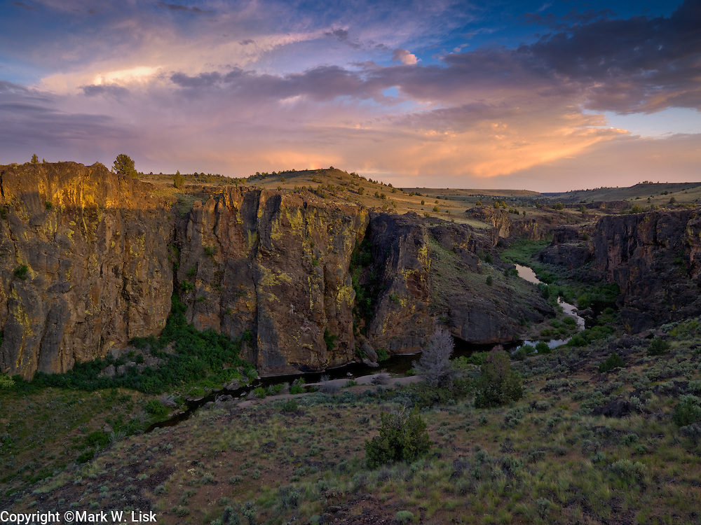 Pole Creek cut through the basalt layer on the top of the Avery Table in the Owyhee Desert of southwestern Idaho.