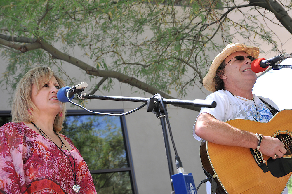 JC & Laney compete in the Songwriting Contest at the 2012 Tucson Folk Festival. Event photography by Martha Retallick.