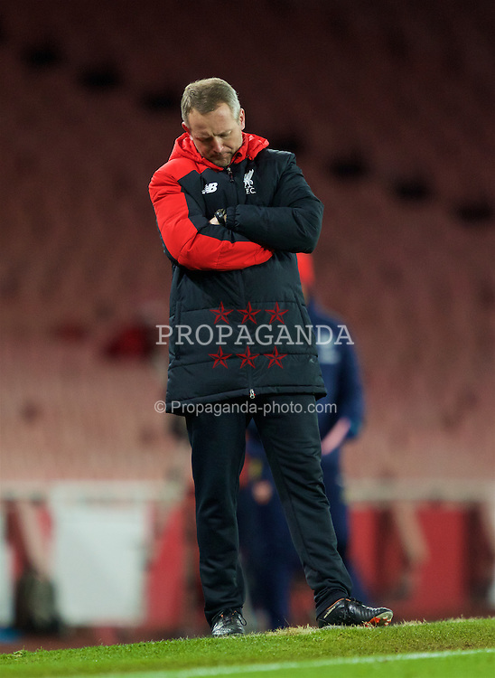 LONDON, ENGLAND - Friday, March 4, 2016: Liverpool's manager Neil Critchley looks dejected as his side lose to Arsenal during the FA Youth Cup 6th Round match at the Emirates Stadium. (Pic by Paul Marriott/Propaganda)