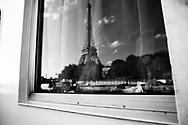 Re et de la Tour Eiffel à bord du Sagone.