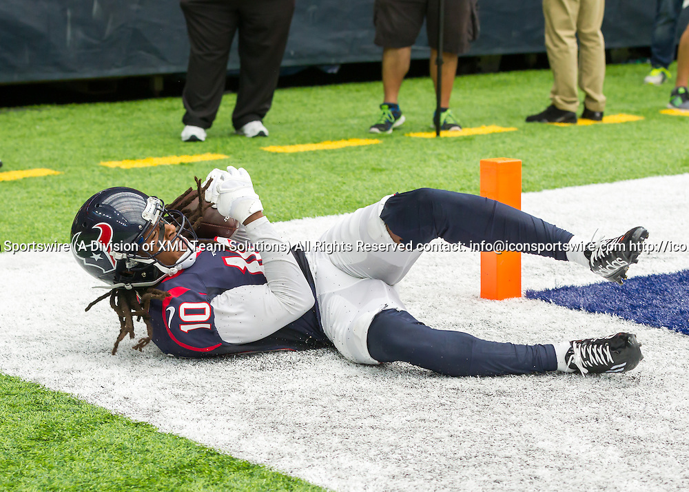 18 September, 2016:  Houston Texans wide receiver DeAndre Hopkins (10) makes a catch in the end zone but was deemed an incomplete by a call on the field during the NFL game between the Kansas City Chiefs and Houston Texans at NRG Stadium in Houston, Texas.  (Photograph by Leslie Plaza Johnson/Icon Sportswire)