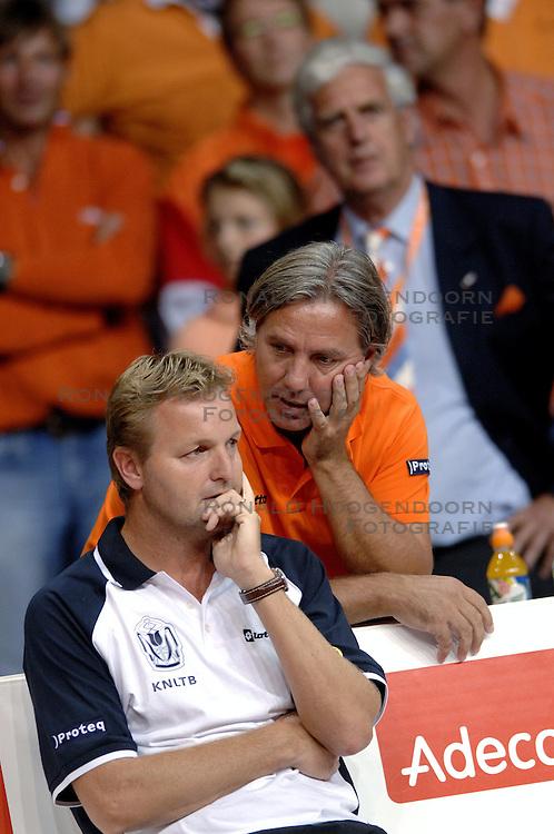 23-09-2006 TENNIS: DAVIS CUP: NEDERLAND - TSJECHIE: LEIDEN <br /> Davis Cup coach Tjerk Bogtstra<br /> &copy;2006-WWW.FOTOHOOGENDOORN.NL