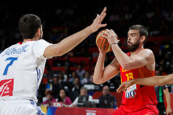 10.09.2014, Palacio de los deportes, Madrid, ESP, FIBA WM, Frankreich vs Spanien, Viertelfinale, im Bild Spain´s Marc Gasol (R) and France´s Lauvergne // during FIBA Basketball World Cup Spain 2014 Quarter-Final match between France and Spain at the Palacio de los deportes in Madrid, Spain on 2014/09/10. EXPA Pictures © 2014, PhotoCredit: EXPA/ Alterphotos/ Victor Blanco<br /> <br /> *****ATTENTION - OUT of ESP, SUI*****