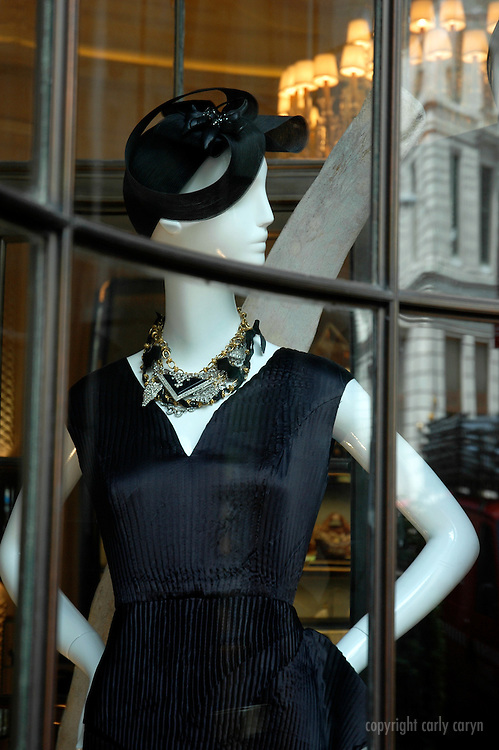 Window model, Bergdorf Goodman