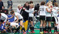 ROTTERDAM - Vreugde bij Duitsland na de  finale wedstrijd tussen de vrouwen van Nederland en Duitsland (1-1, Duitsland wint na shoot outs)in de Hockey World League.  ANP KOEN SUYK