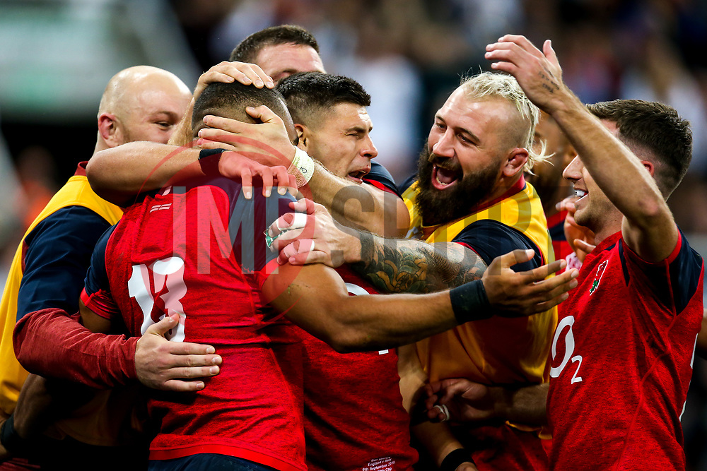 Joe Marchant of England celebrates with teammates after scoring a try - Mandatory by-line: Robbie Stephenson/JMP - 06/09/2019 - RUGBY - St James's Park - Newcastle, England - England v Italy - Quilter Internationals