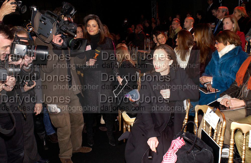 Kirsten Scott Thomas, Valentino couture fashion sho,  rue Bonaparte, Paris, 21 January 2004. © Copyright Photograph by Dafydd Jones 66 Stockwell Park Rd. London SW9 0DA Tel 020 7733 0108 www.dafjones.com