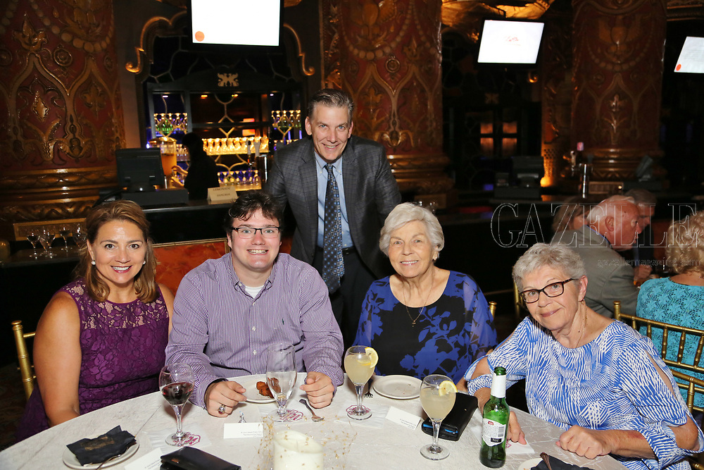 Jamie, Lucas, and David Sauerburger, Patricia Longshore, Helen Wright
