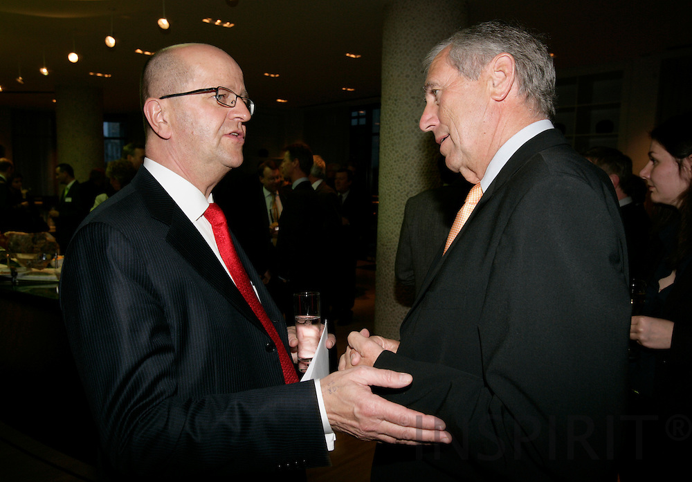 BRUSSELS - BELGIUM - 21 MARCH 2007 -- Mats JANSSON (L), CEO of the SAS Group, and Flemming HANSEN Danish Minister for Transport.   PHOTO: ERIK LUNTANG