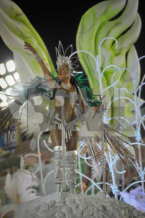 RIO DE JANEIRO, RJ, 18 DE FEVEREIRO DE 2012 - Desfiles das Escolas de Samba do Grupo de Acesso A -  Integrantes da Escola de Samba  Unidos da Tijuca durante o desfile na  Marquês de Sapucaí. FOTO GLAICON EMRICH - AGÊNCIA BRAZIL PHOTO PRESS