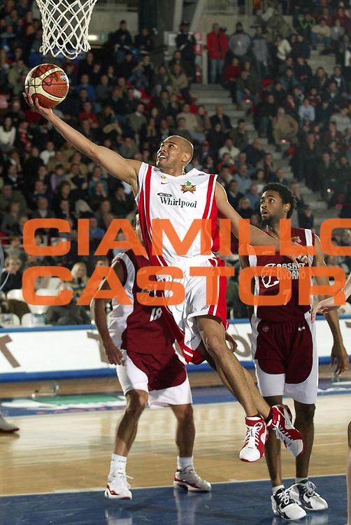 DESCRIZIONE : Varese Lega A1 2005-06 Whirlpool Varese Basket Livorno<br />GIOCATORE : Garnett<br />SQUADRA : Whirlpool Varese<br />EVENTO : Campionato Lega A1 2005-2006<br />GARA : Whirlpool Varese Basket Livorno<br />DATA : 30/12/2005<br />CATEGORIA : Tiro<br />SPORT : Pallacanestro<br />AUTORE : Agenzia Ciamillo-Castoria/S.Ceretti<br />Galleria : Lega Basket A1 2005-2006<br />Fotonotizia : Varese Campionato Italiano Lega A1 2005-2006 Whirlpool Varese Basket Livorno<br />Predefinita : Si