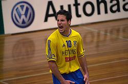 15-02-2001 VOLLEYBAL: PIET ZOOMERS D - IZUMRUD EKATARINENBURG: APELDOORN<br /> Top Teams Cup - Mike Diehl<br /> &copy;2001-WWW.FOTOHOOGENDOORN.NL