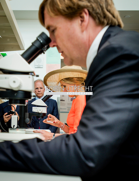 King Willem-Alexander and Queen Maxima of The Netherlands Visit to Van Andel Research Institute in Grand Rapids. United States, 2 June 2015.The King and Queen visit the United States during an 3 day official visit. POOL COPYRIGHT ROBIN UTRECHT robin v lonkuizen