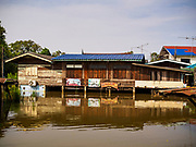 01 NOVEMBER 2017 - PHRA KHAO, NAKHON SO AYUTTHAYA, THAILAND: Flooded homes.  Many communities north of Bangkok are flooded because dams have been opened to reliever pressure on reservoirs.      PHOTO BY JACK KURTZ