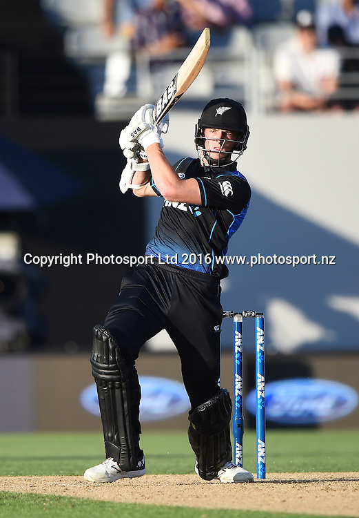 Mitchell Santner hits the winning runs during the New Zealand Black Caps v Pakistan 3rd ODI cricket match. Eden Park, Auckland, New Zealand. Saturday 31 January 2016. Copyright photo: Andrew Cornaga / www.photosport.nz