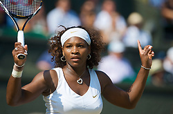 LONDON, ENGLAND - Tuesday, June 30, 2009: Serena Williams (USA) during the Ladies' Singles Quarterfinal on day eight of the Wimbledon Lawn Tennis Championships at the All England Lawn Tennis and Croquet Club. (Pic by David Rawcliffe/Propaganda)