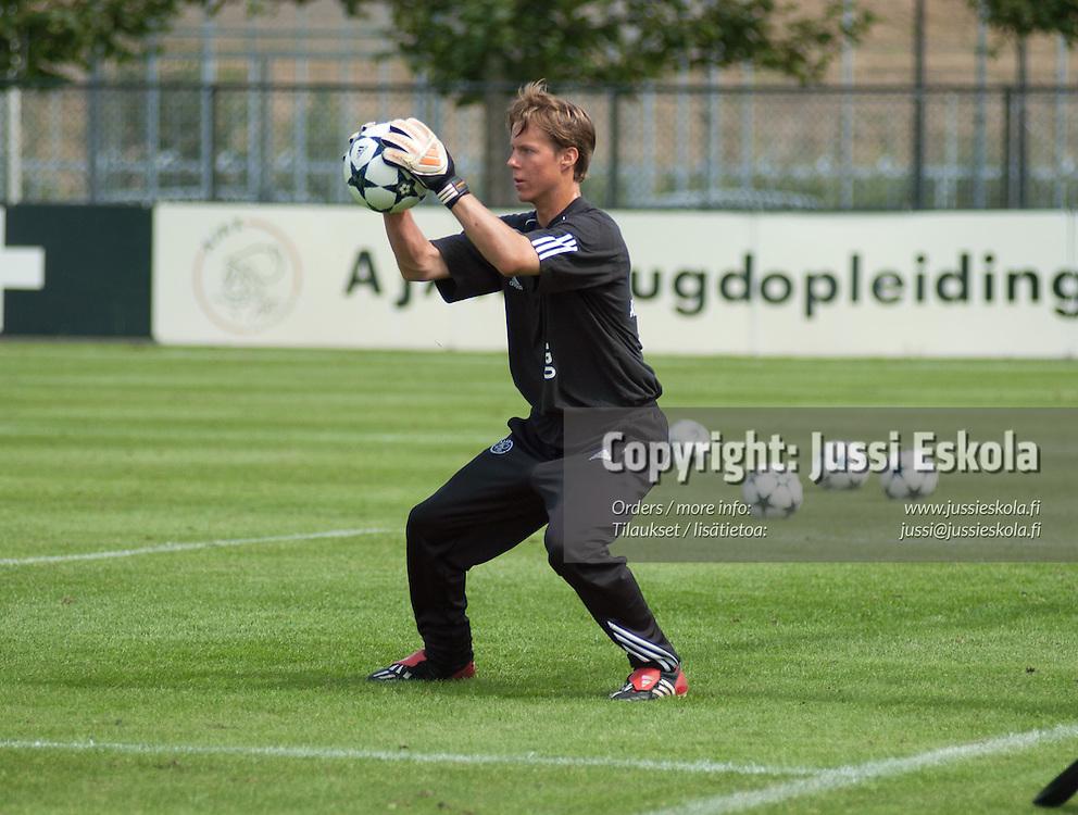 Henrik Moisander. Ajax. Reservijoukkue. Amsterdam. 8/2003. Photo: Jussi Eskola