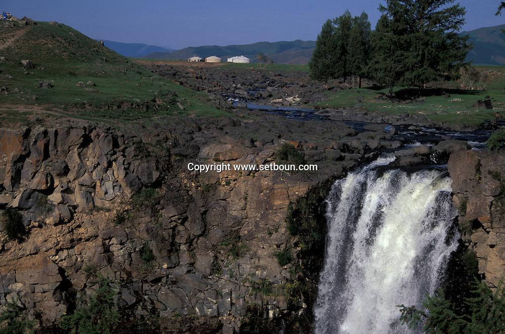 Mongolia. water fall in the Orkhon valley  near  Hahorin - Mongolia    /  les chutes d'eau  de la vallée de l'Orkhon pres de  Karakorum - Mongolie