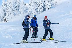 11.01.2019, Hahnenkamm, Kitzbühel, AUT, FIS Weltcup Ski Alpin, Schneekontrolle durch die FIS, im Bild v.l. Mario Mittermayer-Weinhandl (HKR Rennleiter), Hannes Trinkl (FIS Renndirektor), Herbert Hauser (Pistenchef Streif) // f.l. Mario Mittermayer-Weinhandl race direktor HKR Hannes Trinkl FIS Racedirector and Herbert Hauser slope Manager Streif during snow control by the FIS at the Hahnenkamm in Kitzbühel, Austria on 2019/01/11. EXPA Pictures © 2019, PhotoCredit: EXPA/ Stefan Adelsberger