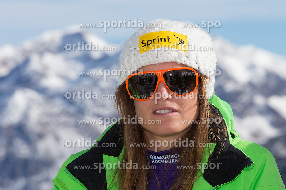 19.10.2012, Rettenbachferner, Soelden, AUT, US Skiteam, Pressekonferenz, im Bild Julia Mancuso (USA) // Julia Mancuso of USA during a press conference of the US-Skiteam at Rettenbachferner in Soelden, Austria on 2012/10/19. EXPA Pictures © 2012, PhotoCredit: EXPA/ J. Groder