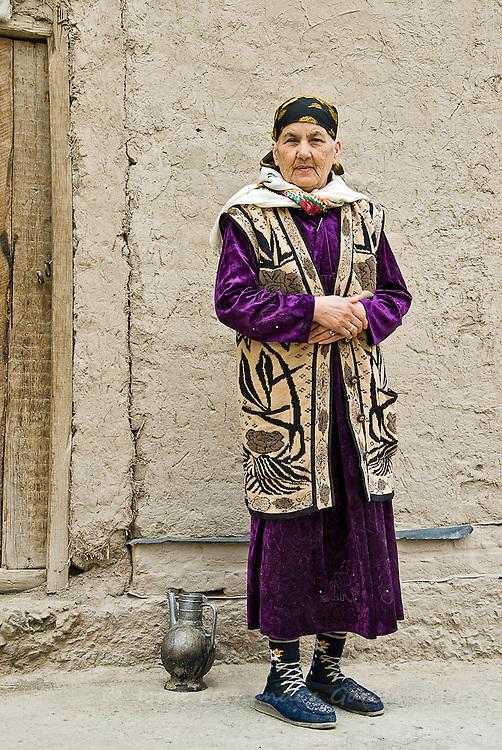 Woman in the street Khiva, Uzbekistan, Asia