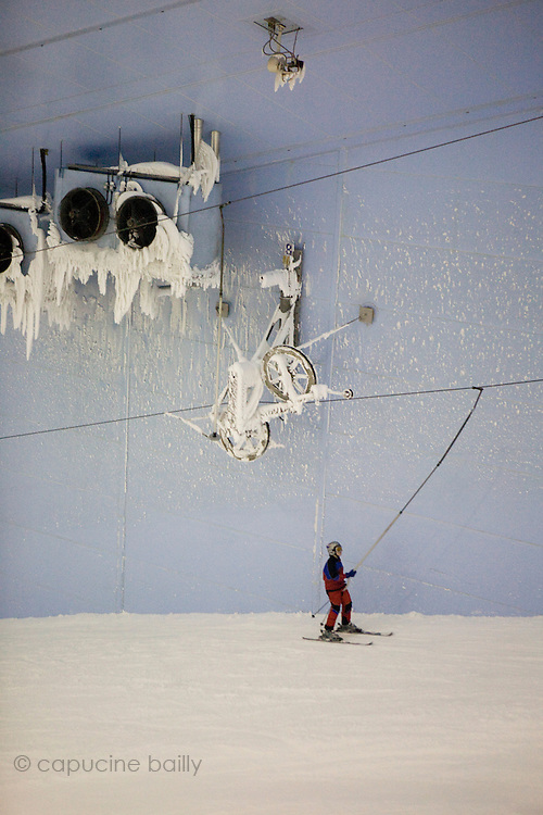 """Dubai, United Arab Emirates (UAE). January 30th 2009..""""Ski Dubai"""", inside the Mall of the Emirates, is the first indoor ski resort in the Middle East and offers an amazing snow setting to enjoy skiing, snowboarding and tobogganing, or just playing in the snow all year round."""