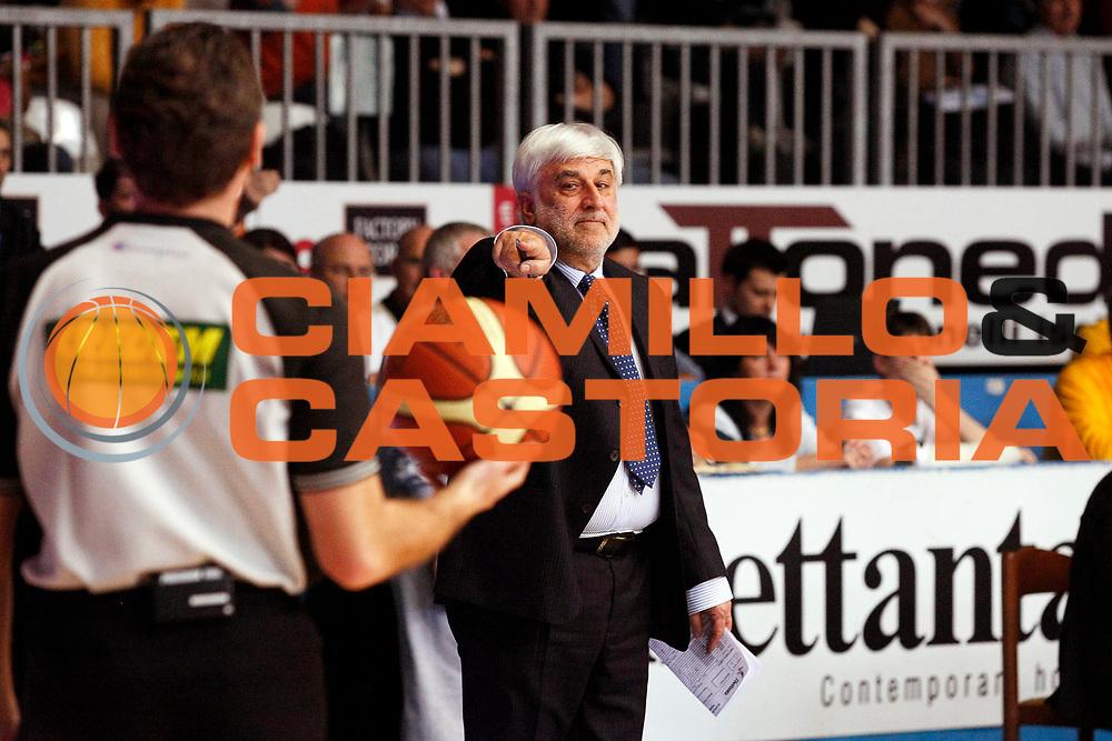 DESCRIZIONE : Cantu Lega A1 2007-08 Tisettanta Cantu Scavolini Spar Pesaro<br /> GIOCATORE : Bruno Arrigoni Arbitro<br /> SQUADRA : Tisettanta Cantu<br /> EVENTO : Campionato Lega A1 2007-2008<br /> GARA : Tisettanta Cantu Scavolini Spar Pesaro<br /> DATA : 02/03/2008<br /> CATEGORIA : Delusione<br /> SPORT : Pallacanestro<br /> AUTORE : Agenzia Ciamillo-Castoria/G.Cottini