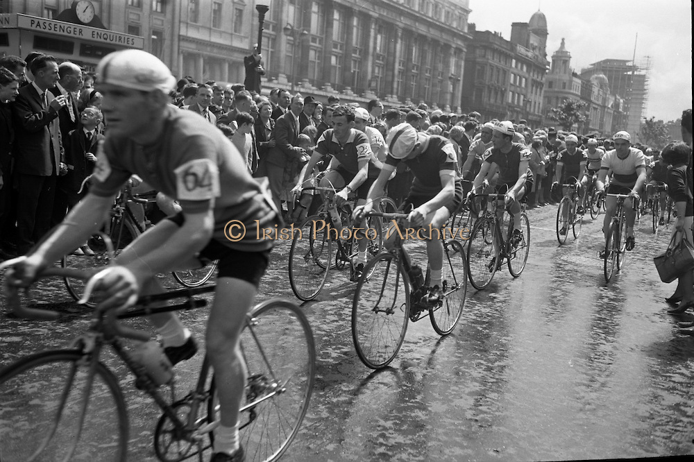 View of the formal start of the 1964 Rás Tailteann at O'Connell Street. 65 riders started on the 8 day round Ireland cycle race..05.07.1964