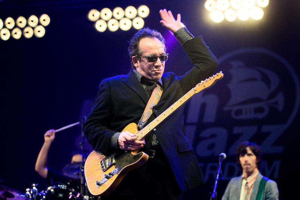 Nederland. Rotterdam, 15 juli 2007.<br /> North Sea Jazz festival. Elvis Costello.<br /> Foto Martijn Beekman <br /> NIET VOOR TROUW, AD, TELEGRAAF, NRC EN HET PAROOL