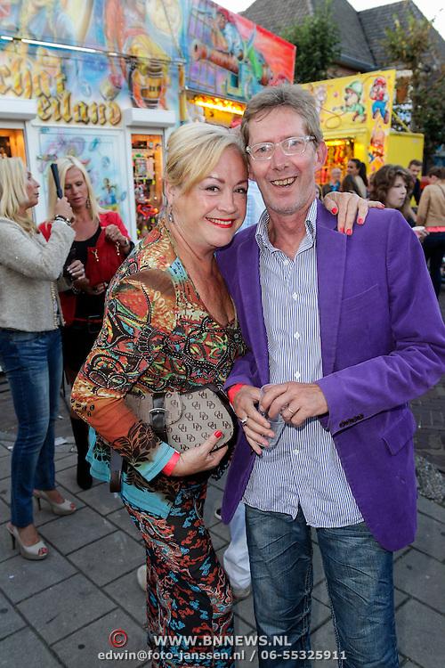 NLD/Blaricum/20120822 - Blaricumse Kermis 2012, Viola Holt en partner Peter