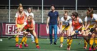 AMSTELVEEN -  coach Raoul Ehren (Den Bosch) voor  de finale van de play-offs om de landstitel in het Wagener-stadion, tussen Amsterdam en Den Bosch (1-4).   COPYRIGHT  KOEN SUYK