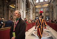67 Arme, Wohnungslose und ehemalige Obdachlose aus Hamburg<br /> haben den Vatikan besucht. Papst Franziskus hatte sie eingeladen –<br /> zusammen mit 4000 anderen Armen aus ganz Europa. Es war eine<br /> Reise für die Seele, die keiner so schnell vergessen wird.