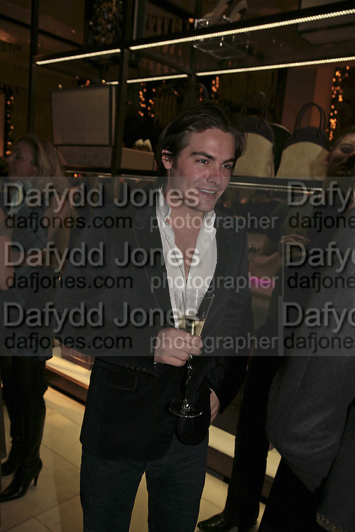 Kevin Zegeas, THE CHRISTMAS PARTY CELEBRATING THE 225TH ANNIVERSARY OF ASPREY. 167 NEW BOND ST. LONDON W1. 7 DECEMBER 2006. ONE TIME USE ONLY - DO NOT ARCHIVE  © Copyright Photograph by Dafydd Jones 248 CLAPHAM PARK RD. LONDON SW90PZ.  Tel 020 7733 0108 www.dafjones.com