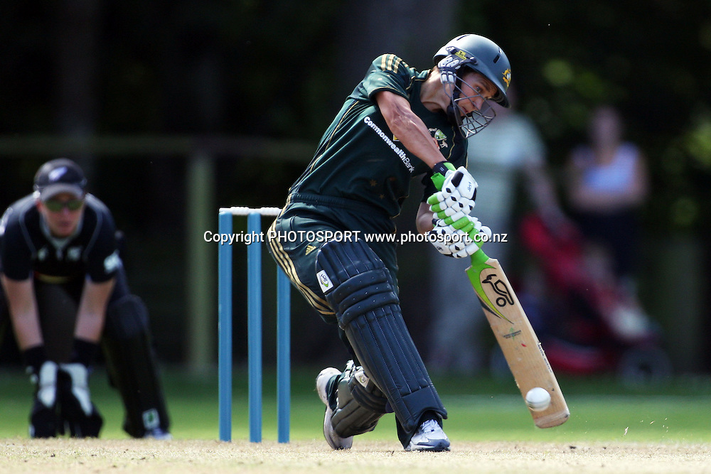 Shelley Nitschke batting, New Zealand White Ferns v Australia, Rosebowl cricket series, One day international, Queens Park, Invercargill. 6 March 2010. Photo: William Booth/PHOTOSPORT