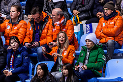 22-02-2018 KOR: Olympic Games day 13, PyeongChang<br /> Short Track Speedskating / Support publiek, Oranje, Marloes Wesselink