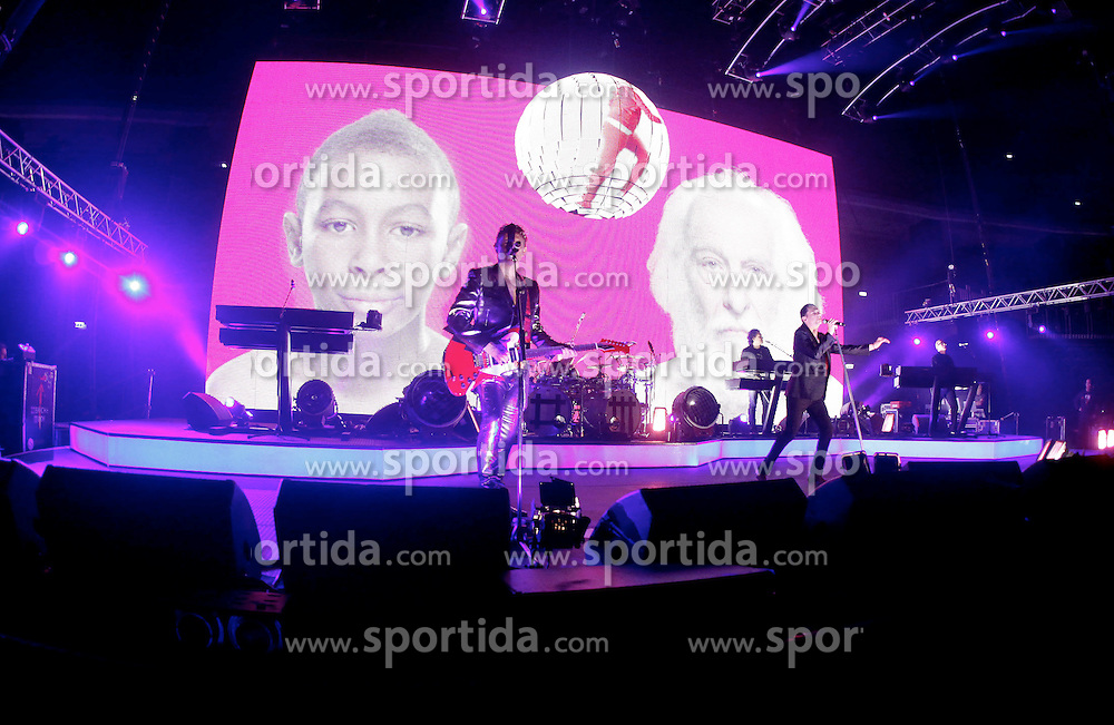 14.02.2010, Arena, Zagreb, CRO, Depeche Mode, Live in Concert, in der Arena Zagrebgab die britische Pop Gruppe Depeche Mode ein Konzert, EXPA Pictures © 2010 for Austria only, Photographer EXPA / NPH / Pixsell / Galoic /Sportida.com