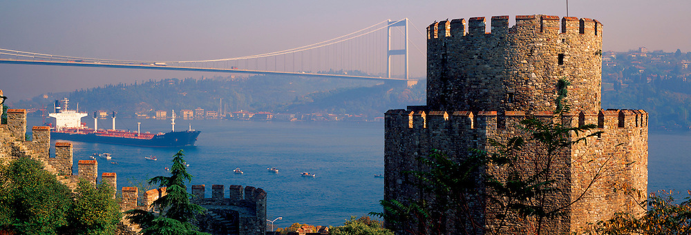 TURKEY, BOSPHORUS Rumeli Hisari castle, Fatih bridge