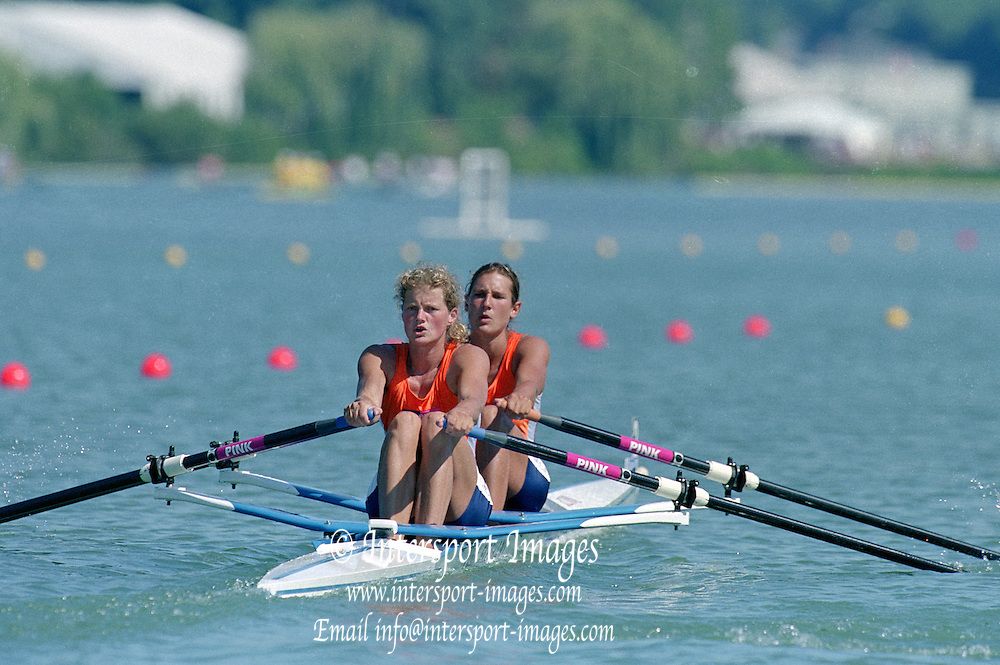 St Catherines, CANADA,  Women's Double Sculls NED W2X. Bow. Pieta van DISHOECK and Eeke van NES, competing at the 1999 World Rowing Championships - Martindale Pond, Ontario. 08.1999..[Mandatory Credit; Peter Spurrier/Intersport-images]  . 1999 FISA. World Rowing Championships, St Catherines, CANADA