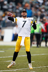 OAKLAND, CA - DECEMBER 09: Quarterback Ben Roethlisberger #7 of the Pittsburgh Steelers warms up before the game against the Oakland Raiders at O.co Coliseum on December 9, 2018 in Oakland, California. Photo by Jason O. Watson/Getty Images) *** Local Caption *** Ben Roethlisberger