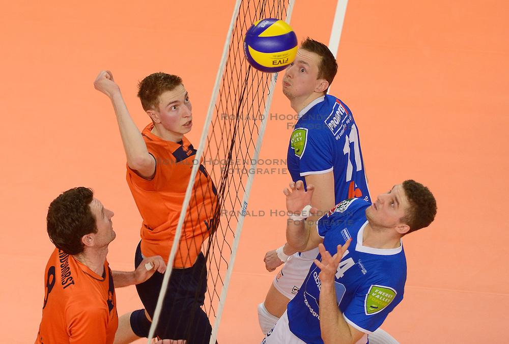 21-02-2015 NED: Abiant Lycurgus - Wenters Sports Orion, Zwolle<br /> Halve finale beker / Harmen Arendshorst #8, Dik Heusinkveld #2, Tim Smit #11, Steven Irvin #14