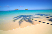 Mokulua Islands, Lainkai Beach, Oahu Hawaii<br />