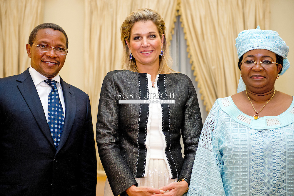 11-12-2013 - 0-12-2013 - TANZANIA DAR ES SALAAM  Queen Maxima of the Netherlands during meeting  with H.E. President of United Republic of Tanzania Dr. Jakaya Mrisho Kikwete, State House<br />  with First Lady, Mama Salma Kikwete.<br />  Her Majesty Queen M&aacute;xima United Nations Secretary-Geneneral&rsquo;s Special Advocate for Inclusive Finance for Development will visit 5 days ethiopia and tanzania. Her Majesty Queen M&aacute;xima visits in her capacity as a special advocate of the Secretary-General of the United Nations in the field of inclusive finance for development (inclusive finance for development) Ethiopia and Tanzania from Monday 9 to Friday, December 13, 2013. COPYRIGHT ROBIN UTRECHT