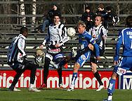 21.04.2007, Hietalahti, Vaasa, Finland..Veikkausliiga 2007 - Finnish League 2007.Vaasan Palloseura - Tampere United.Tero Taipale (VPS) v Sakari Saarinen (TamU).©Juha Tamminen.....ARK:k